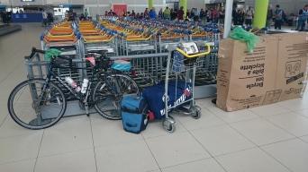 Mon arrivée à l'Aéroport Charles-de-Gaulle en France